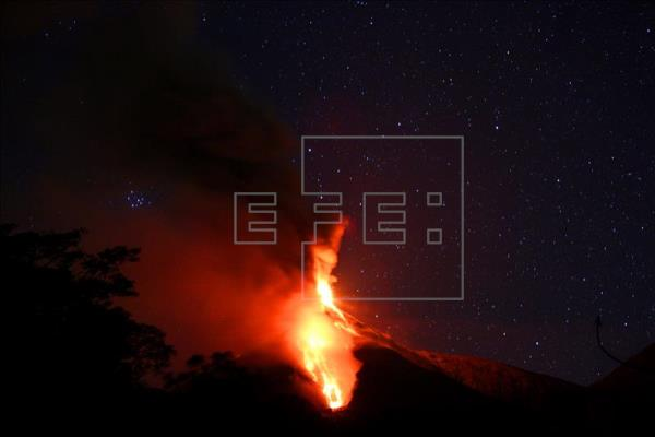 El volcán de Fuego de Guatema, foto vía EFE