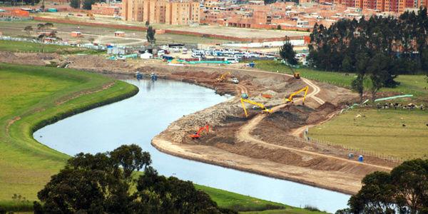La ampliación del cauce del río Bogotá y la limpieza de residuos terminaría a finales de febrero, foto vía El Tiempo