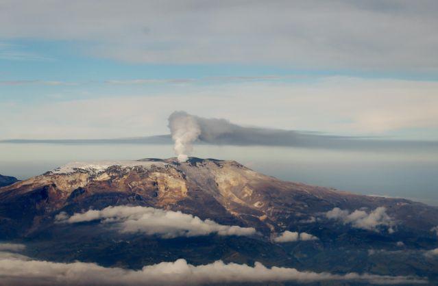 Nevado del Ruíz (foto referencia), foto vía Servicio Geológico Colombiano