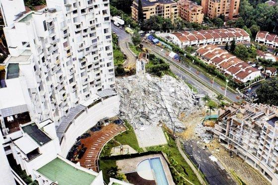 Panorama de la colapsada torre 6 del complejo Space, foto vía Luis Benevides - El Espectador
