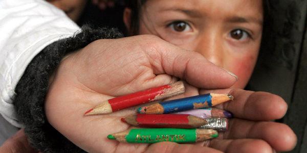 Para evitar la deserción escolar, se ha planteado el desarrollo de currículos escolares más atractivos para los estudiantes, foto vía El Tiempo