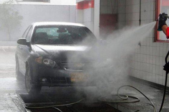 lavaderos de carros, foto vía El Espectador