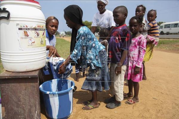 niños africanos, foto vía EFE