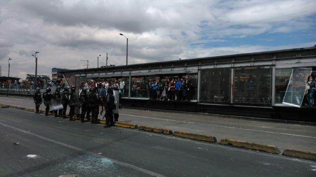 Bloqueos TransMilenio, foto vía Juan Pablo Pino - Publimetro