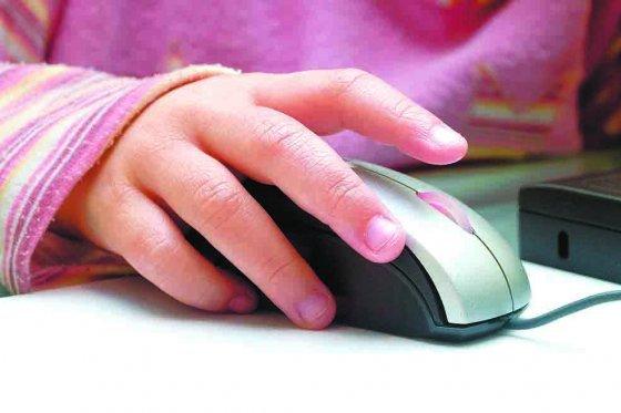 Internet, niños, foto vía iStock