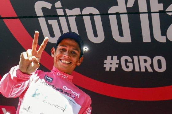 Esteban Chaves se convirtió en nuevo líder del Giro de Italia, foto vía AFP