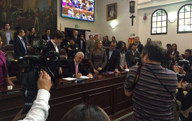 Firma plan de desarrollo @Concejodebogota