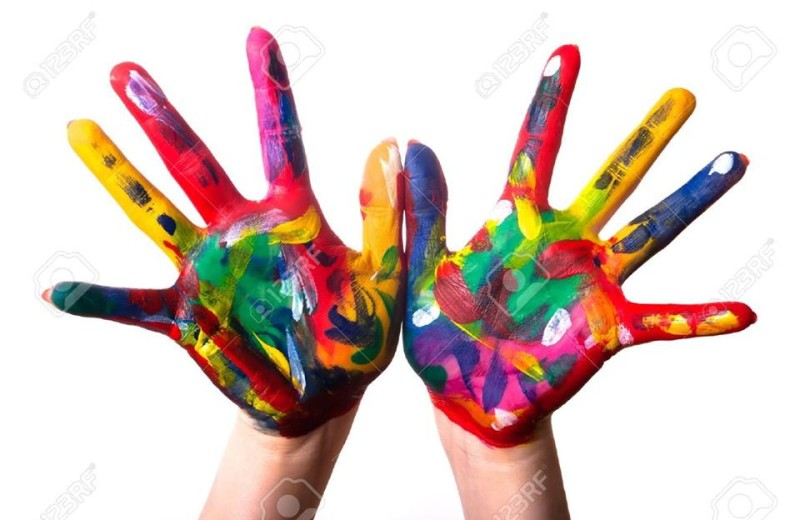 Arte manos pintura, foto vía web 123rf