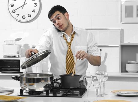 hombre-cocina, foto vía web Hola