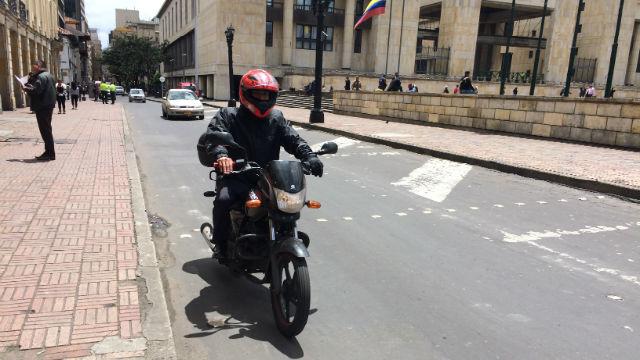 Motociclista bogotagovco