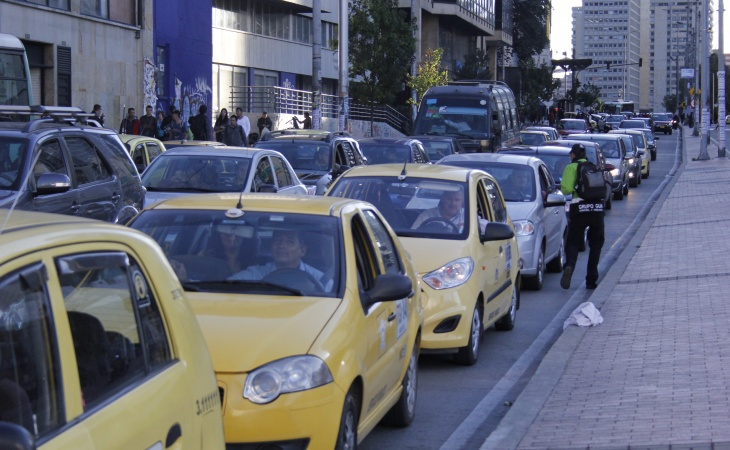 carrera 7 taxis trafico trancon _MG_2579 cuellar