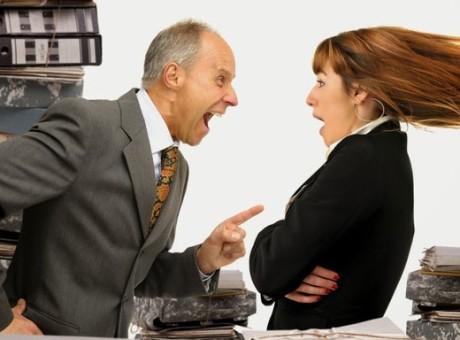 ¿Mal ambiente en el trabajo? Aquí 5 consejos para mejorar las relaciones laboralesambiente laboral trabajo