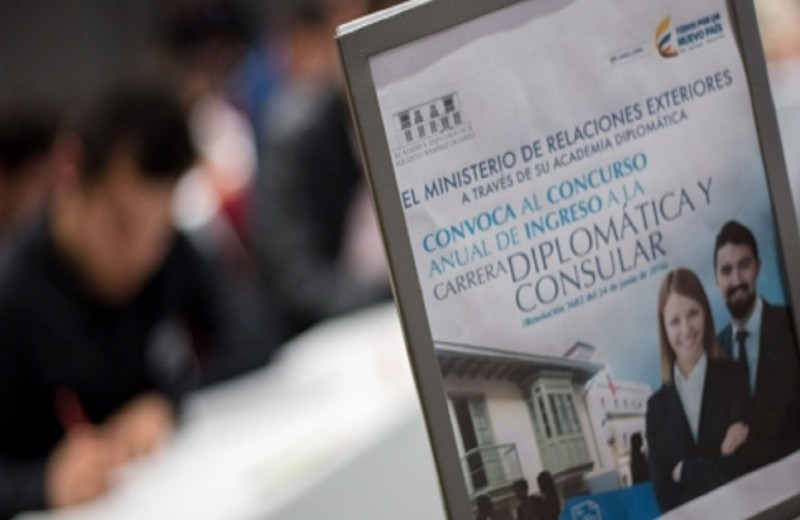 ¿Quiere ser diplomático colombiano? Cancillería abre sus inscripciones