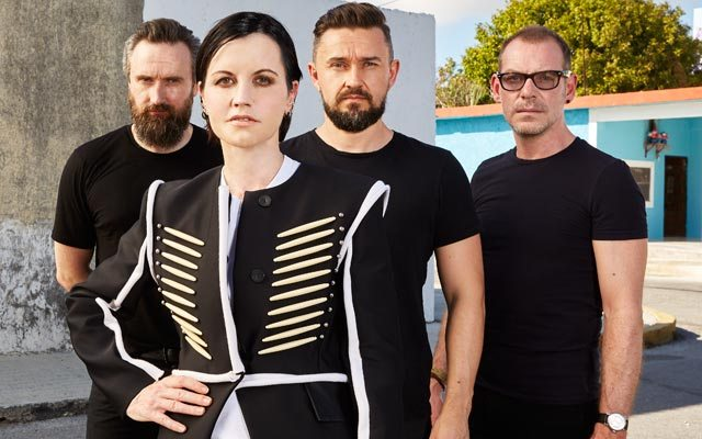 Dolores O'Riordan falleció vocalista de The-Cranberries, foto vía Songwriting Magazine