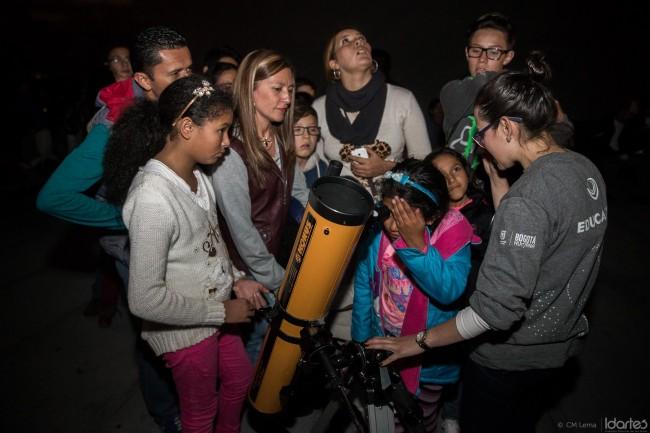 Planetario superluna telescopio gratis Bogotá, foto vía IDARTES