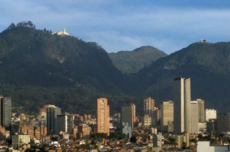 Cerro de Monserrate y Cerro de Guadalupe - Diez lugares para visitar gratis en el centro de Bogotá Radio Universitaria URepublicanaRadio foto vía Alcaldía de Bogotá